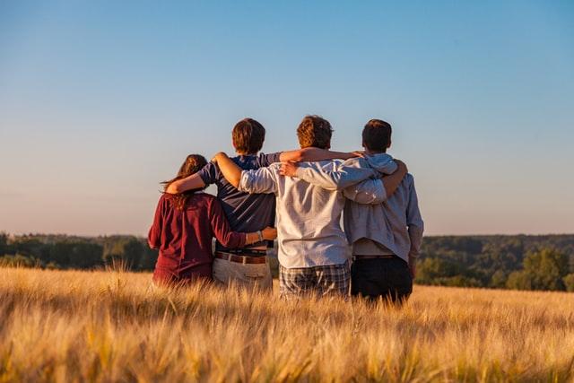 Grupa bliskich sobie osób