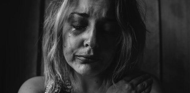 Przemoc w rodzinie i niebieska karta
